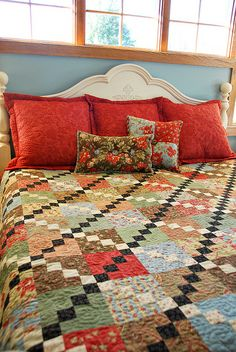 Flanged Sham and Accent Pillows by Heather Mulder Peterson, via Flickr - love the color combination here!