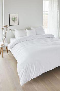 Room Ideas Bedroom, Home Bedroom, Modern Bedroom, Bedroom Wall, Girls Bedroom, Minimal Bedroom Design, 1920s Bedroom, Zebra Bedrooms, Earthy Bedroom
