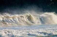 O último swell que quebrou no Litoral Norte paulista (29, 30 e 1 de maio), e proporcionou ondas de qualidades e grandes.None