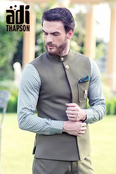Ideas For Fashion Mens Classic Menswear Mens Indian Wear, Indian Groom Wear, Indian Men Fashion, New Mens Fashion, Mens Fashion Suits, Men's Fashion, Blazer Outfits Men, Stylish Mens Outfits, Plaid Outfits