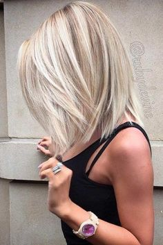 Hair Color - For those with fine, lighter shades of blonde, you should darken the roots. Roots with no color tend to make your hair appear thin and limp. Those with thick hair can opt for this style as well, but you might want to opt for a more vibrant color if you have really thick hair. Does someone know how to do this Silvery Bob Medium Length With Side Part? Someone could tell me the full steps, please? #thinninghair