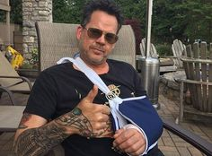 Gary Allan and Maren Morris recently went under the knife and took to social media to share the news with fans. Country Singers, Country Music, Gary Allan, Media To Share, Maren Morris, Under The Knife, Florida Georgia Line, People Of Interest, Country Men