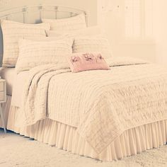My new KING SIZE BEDSPREAD! For my new KING SIZE BED!!! Yes I'm ... : lc lauren conrad allie ruffle quilt - Adamdwight.com