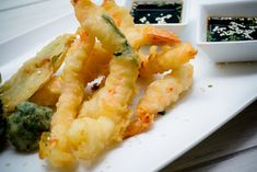 Comida típica de los bares de Japón, esta delicia hará aún más divertido el ver un partido con los amigos y familia. Disfruta este delicioso tempura de camarón y verduras.