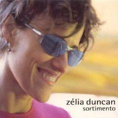Sortimento (2001) est le cinquième album de Zélia Duncan qui fête la même année ses vingt ans de carrière. Première caractéristique de l'album, Zélia Duncan élargit son partenariat à la composition. Celui-ci, presque exclusivement limité à Christiaan...