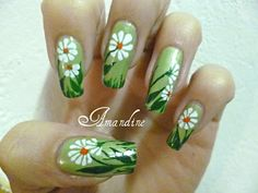 Amandine nail art marguerites