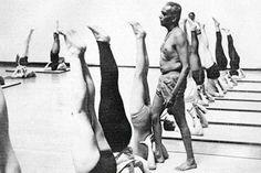 1960s: BKS Iyenagr teaching yoga .... #VintageYoga #BKSIyengar #IyengarYoga #YogaAsana #Asana #YogaHistory #YogaGuru #1960s