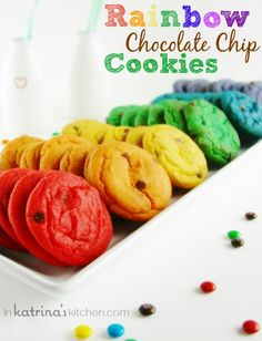 Rainbow Chocolate Chip Cookie Recipe-spice things up Rainbow Treats, Rainbow Food, Taste The Rainbow, Rainbow Cookie, Cookies Receta, Yummy Cookies, 13 Desserts, Delicious Desserts, Yummy Food