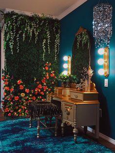 Antique vanity and flower wall. Hollywood regency boudoir studio located near St. Room Ideas Bedroom, Bedroom Decor, Dream Home Design, House Design, Design Design, Décor Boho, Room Goals, Dream Apartment, Aesthetic Bedroom
