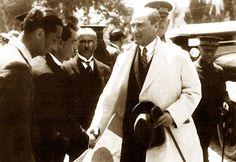 Sovyet Başbakanı Kalinin, Rusya</br>Şöhreti bütün cihana yayılmış olan tecrübeli başkanın yönetimi herkesin sevgi ve saygısını çeken büyük Türk Milleti'nin milli bağımsızlığını devamlı bir başarı ile kuvvetlendirmiş ve yeni milli yapısını yaratmıştır.