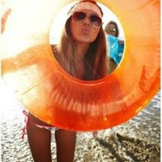 http://thefashionistacoach.blogspot.co.uk/2013/06/5-ways-to-accessorize-your-swimwear.html