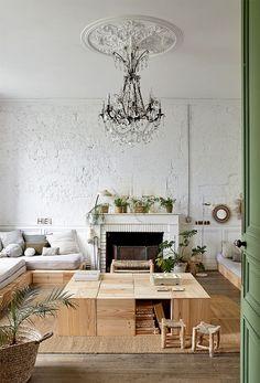 Pour décorer son intérieur, réutiliser des boites en bois. Retrouvez nos idées récup et nos DIY pour une maison minimaliste.     To decorate your interior, reuse wooden boxes. Find our collection ideas and our DIY for a minimalist home.