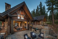 3,800 s.f. residence with a 2-car garage that looks westward to the Sierra Crest ridgeline. Architecture: Ted Brobst & Caitlin Davis
