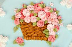 Cesto con flores. Rosas. Flores. Pastel con cesta de flores. Glasé real. Royal icing. Cakes. Pasteles decorados con glasé real.Flowers.