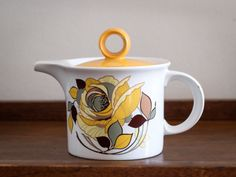 Retro Pontessa Teapot   This Pontessa teapot is an absolute delight. It's yellow lid complements the  floral design on the pot beautifully. It has a dramatic yet effective spout that  delivers tea to your cup with a flourish. Made in Spain. 14cm... Kitchenware, Tableware, Vintage Tea, Flourish, Teapot, Pots, Floral Design, Spain, Coffee