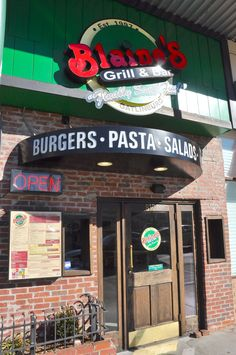 Blaine's Grill - Burgers, pasta and salads!