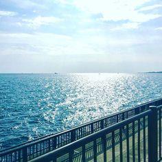 【megu_mi.n】さんのInstagramをピンしています。 《Sea and Sky 🦋 ・ ・ #photo #picture #sea #sky #nature #japan #skylovers #sky_perfection #likes #skyscraper #memories #photograph #photography #photogram #view #ig_japan #igで繋がる空 #空 #海 #写真 #写真好きな人と繋がりたい #ファインダー越しの私の世界 💙💛》