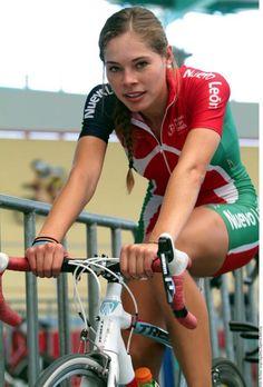 Women Cyclists Cameltoe 37