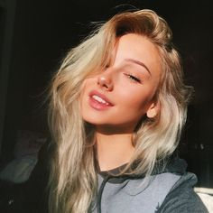 Hair Care Tips That You Shouldn't Pass Up – Hair Extensions Remy Pretty Blonde Girls, Beautiful Blonde Girl, Blond Girls, Girls With Blonde Hair, Little Blonde Girl, Pretty Girls, Beautiful Women, Blonde Girl Selfie, Brunette Girl