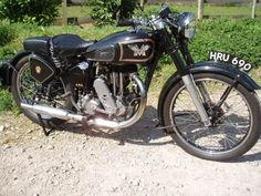 matchless http://motorbike-search-engine.co.uk/classic_bikes/matchless_g3l.jpg