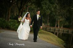 Imagine getting married at University Park in Sarasota, Florida! Check out our country club venue, you don't have to be a member to get married here! #UniversityParkWeddings http://www.universitypark-fl.com/weddings/ Photo by Imely Photography
