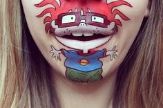 Elle utilise sa bouche pour donner vie à des personnages de dessins animés #maquillage #razmoket | fénoweb