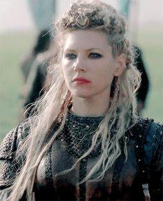 Vikings History Katheryn Winnick Vikings, Vikings Lagertha, Vikings Tv, Viking Life, Viking Warrior, Vikings Travis Fimmel, Viking Series, Big Blonde Hair, Shield Maiden