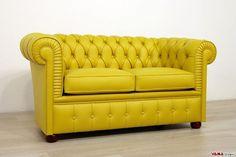 Divano Chesterfield piccolo Chesterino - VAMA Divani Tufted Sofa, Chesterfield Chair, Green Sofa, Living Room Sofa, Daybed, Sofa Design, Home Furniture, Architecture Design, Accent Chairs