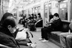 #people #peoplewatching #pointofmyview #inthetrain #takingpics #ordinarydays #streetphoto #monochrome #blackandwhite #nightphotography #instapic #instagood #instalife #lifestyle #instadaily #landscape #スナップショット #ファインダー越しの私の世界 #afterwork #ig_japan #ig_snapshots #ig_worldclub #ig_monochrome #igdaily