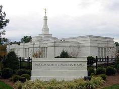 Browse a photograph gallery of beautiful images captured of the Raleigh North Carolina Temple of The Church of Jesus Christ of Latter-day Saints. Mormon Temples, Lds Temples, Raleigh North Carolina, Beautiful Images, Simply Beautiful, Latter Day Saints, Beautiful Buildings, Amazing Grace, Statue Of Liberty