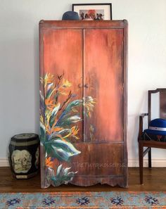 Furniture Makeover Inspiration, Furniture Design Modern, Decor, Furniture Makeover, Creative Furniture, Painted Wardrobe, Hand Painted Decor, Home Decor, Diy Old Furniture Makeover