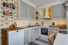 kitchen grey/white/yellow