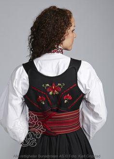 Beltestakk fra Telemark - BunadRosen AS Folk Costume, Costumes, Costume Ideas, Norwegian Clothing, Scandinavian, Knitting, Folk Art, Clothes, Dresses