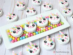 Incredibly charming Easter cookies which are bunny shaped Unglaublich charmante Osterplätzchen in Hasenform Easter Bunny Cookies Recipe, Easter Bunny Cake, Easter Treats, Royal Icing Cookies, Oreo Cookies, Sugar Cookies, Bolacha Cookies, Oreo Dessert Recipes, Desserts