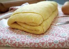 Blundel tészta lépésről lépésre (élesztős leveles tészta) Protein Shakes, Apple Recipes, Hot Dog Buns, Food And Drink, Cooking Recipes, Favorite Recipes, Sweets, Bread, Diet