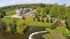 Castlebellingham (Irish: Baile an Ghearlánaigh)