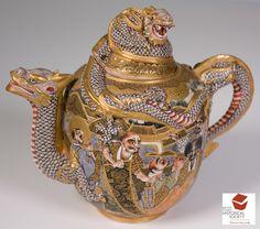 Satsuma Tea Pot Japan 1868-1912 AD