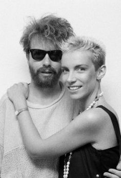 Annie Lennox love and kissing compilation @ www.wikilove.com