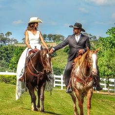 Wedding Engagement, Engagement Photos, Cowboy Love, Western Girl, Horse Love, Saddles, Couple Pictures, Life Goals, Country Life