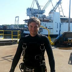 Logan demonstrates his passion for diving and shows how to complete a class B underwater welding certification with finesse. Underwater Welding Salary, Article On Water, Welding Certification, Career Training, Class B, Life Is Hard, Logan, Diving, Passion