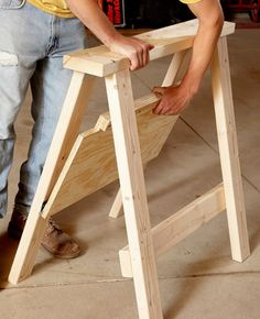 FoldableSawhorse with shelf Plans