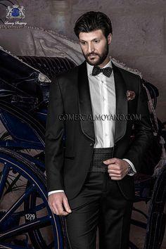 Traje de novio esmoquin italiano a medida negro en tejido de lana Super 100's y solapa chal de raso negro, modelo 1229 Ottavio Nuccio Gala colección Black Tie 2015.