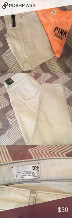‼️NWT Gap Resolution True Skinny Jeans‼️ Cute Gap resolution true skinny jeans, NWT. Gap Size 33 which is a 16.                                                                                   **NO trades or holds** GAP Jeans Skinny
