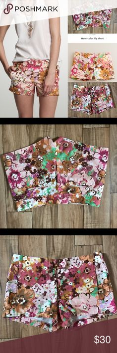 J.crew waterlily shorts 6 pattern floral Great condition size 6 🚫NO TRADES J. Crew Shorts