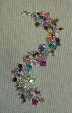 Jewelry designs by CN photos) Crystal Bracelets, Crystal Jewelry, Beaded Jewelry, Jewelry Bracelets, Jewellery, Cute Jewelry, Jewelry Crafts, Jewelry Ideas, Handmade Bracelets