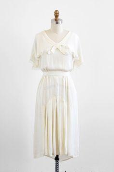 poetry poetry | vintage 1920s creamy silk wedding dress. #vintage