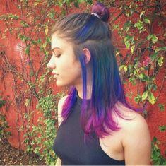 Cabelo colorido da atriz Giovanna Grigio