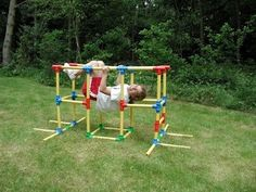 Child-Size building and climbing toy for indoor and outdoor use that is both FUN and Educational. Makes use of pipes and connectors to build creations! Lets make a Jungle Gym today! Remember the Omagles! Toddler Gym, Toddler Playroom, Kids Gym, Backyard Jungle Gym, Backyard Playground, Toddler Climbing, Pvc Pipe Crafts, Pvc Projects, Outdoor Projects