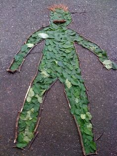 Art with Mrs. Brown - Andy Goldsworthy Inspired Nature Art- for camp? Art Et Nature, Theme Nature, Nature Crafts, Nature Artists, Land Art, Nature Activities, Outdoor Activities, Outdoor Learning, Outdoor Education