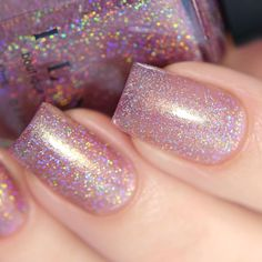 Want some ideas for wedding nail polish designs? This article is a collection of our favorite nail polish designs for your special day. Read for inspiration Wedding Nail Polish, Glitter Nail Polish, Wedding Nails, Acrylic Nails, Glitter Pedicure, Gel Pedicure, Pink Polish, Pink Holographic Nails, Gel Nails At Home